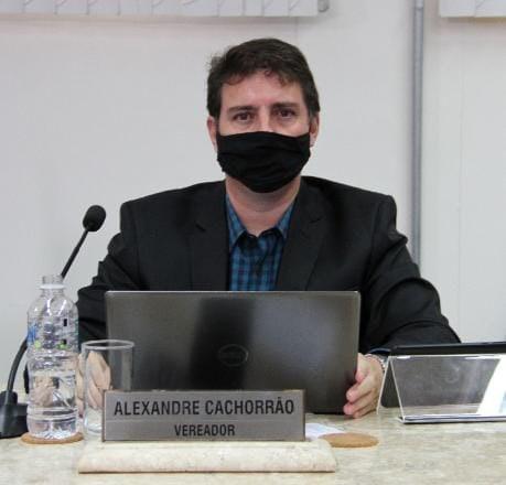 Alexandre Cachorrão pede antecipação das vacinas e testes rápidos ao Governador para a população de Assis