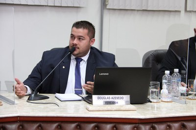 Vereador Douglas Azevedo pede ao Prefeito Municipal a abertura de unidades dispensadoras de medicamentos aos finais de semana