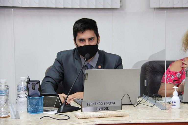 Vereador Fernando Sirchia questiona Poder Executivo sobre leitos de UTI e capacetes Elmo