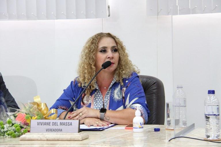 Vereadora Viviane Del Massa encaminha Ofício à Deputado Federal solicitando prioridade de vacinação para Professores